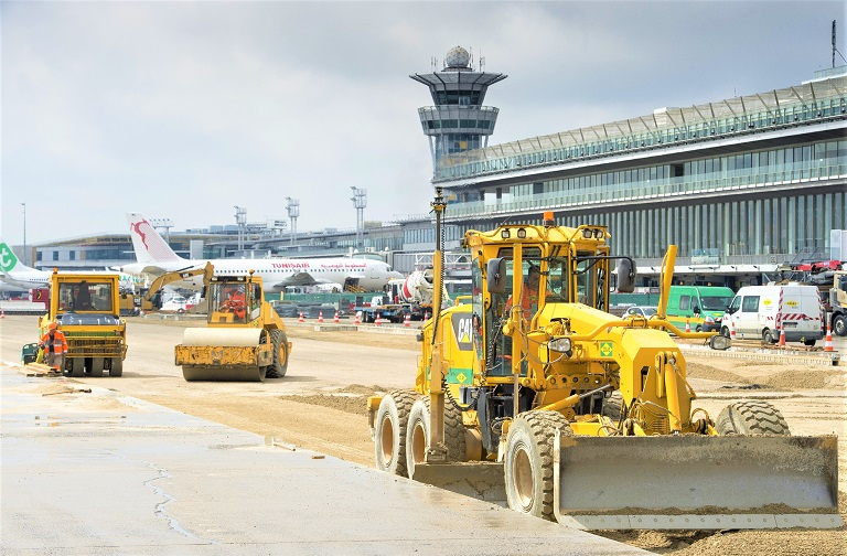 colas runway renovation Paris airport