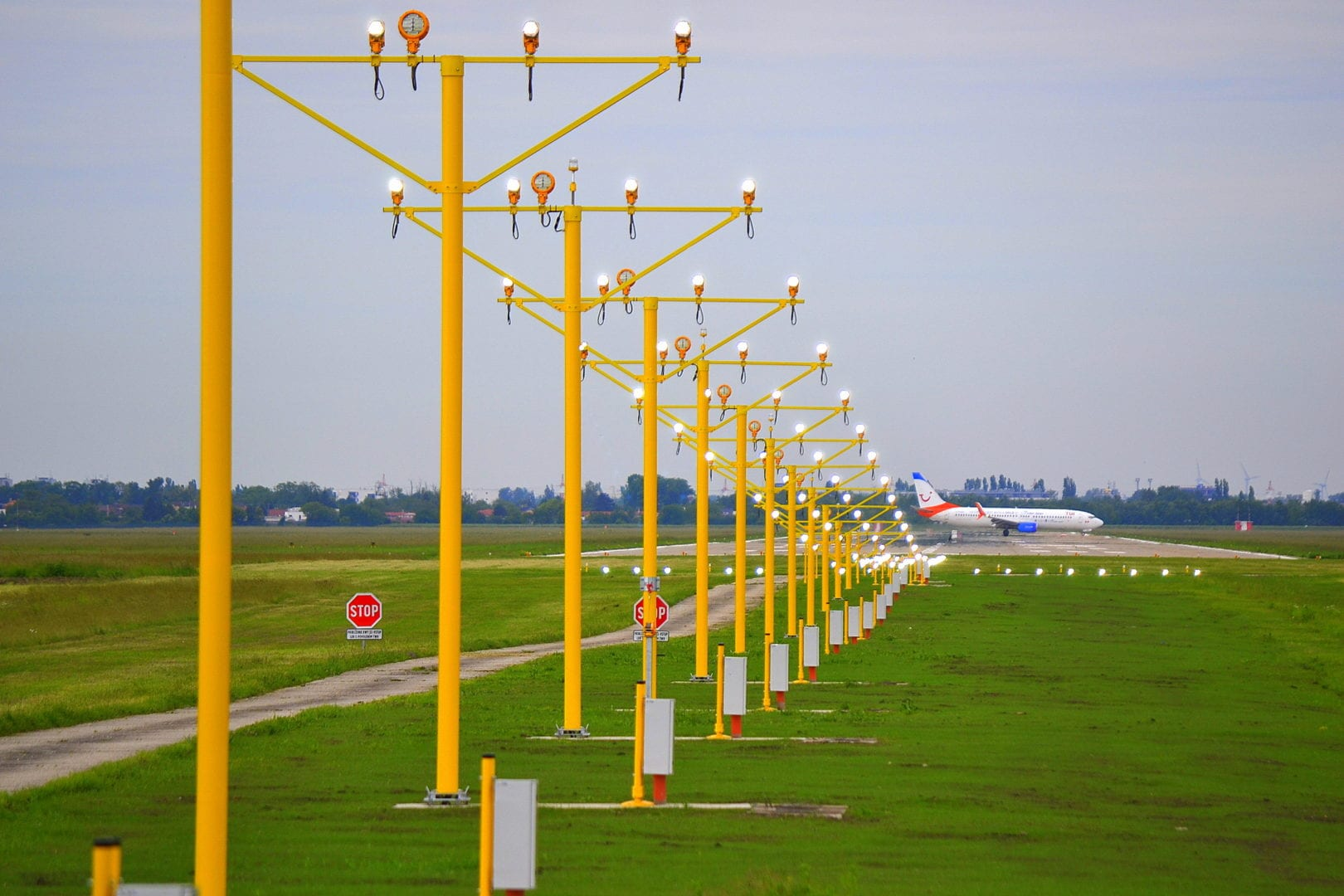 Approach Masts