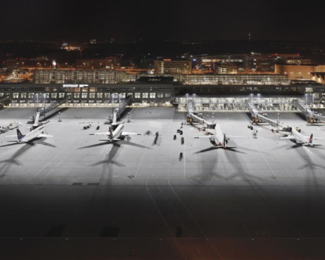 Over 60 F-32 floodlights supplied to Stuttgart Airport