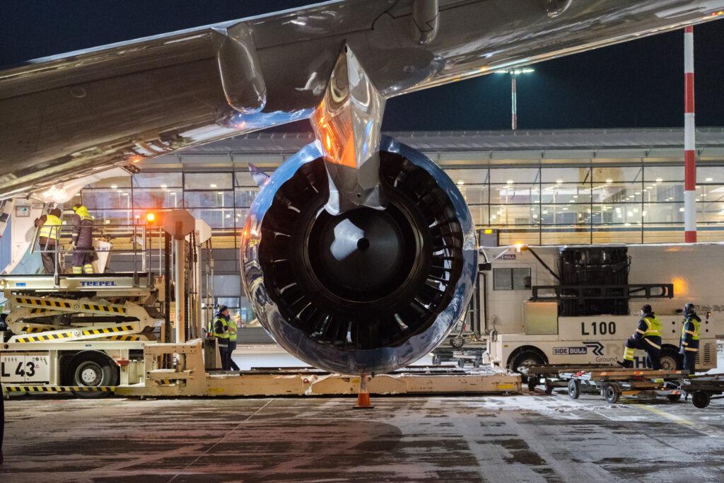 passenger drop Riga business and cargo