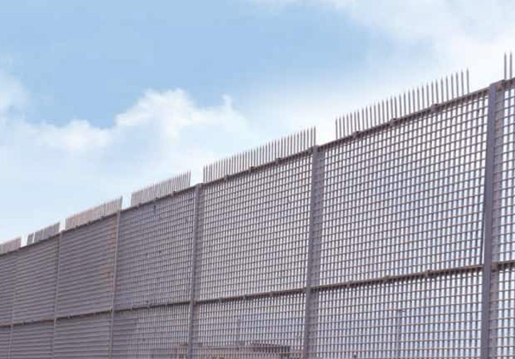 Insulating Composite Fences