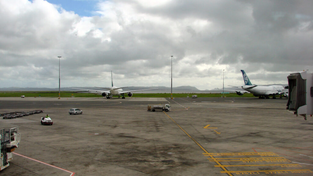 Auckland Airport airfield renewal