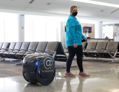 Robot Delivers Food to Airport Guests at PHL