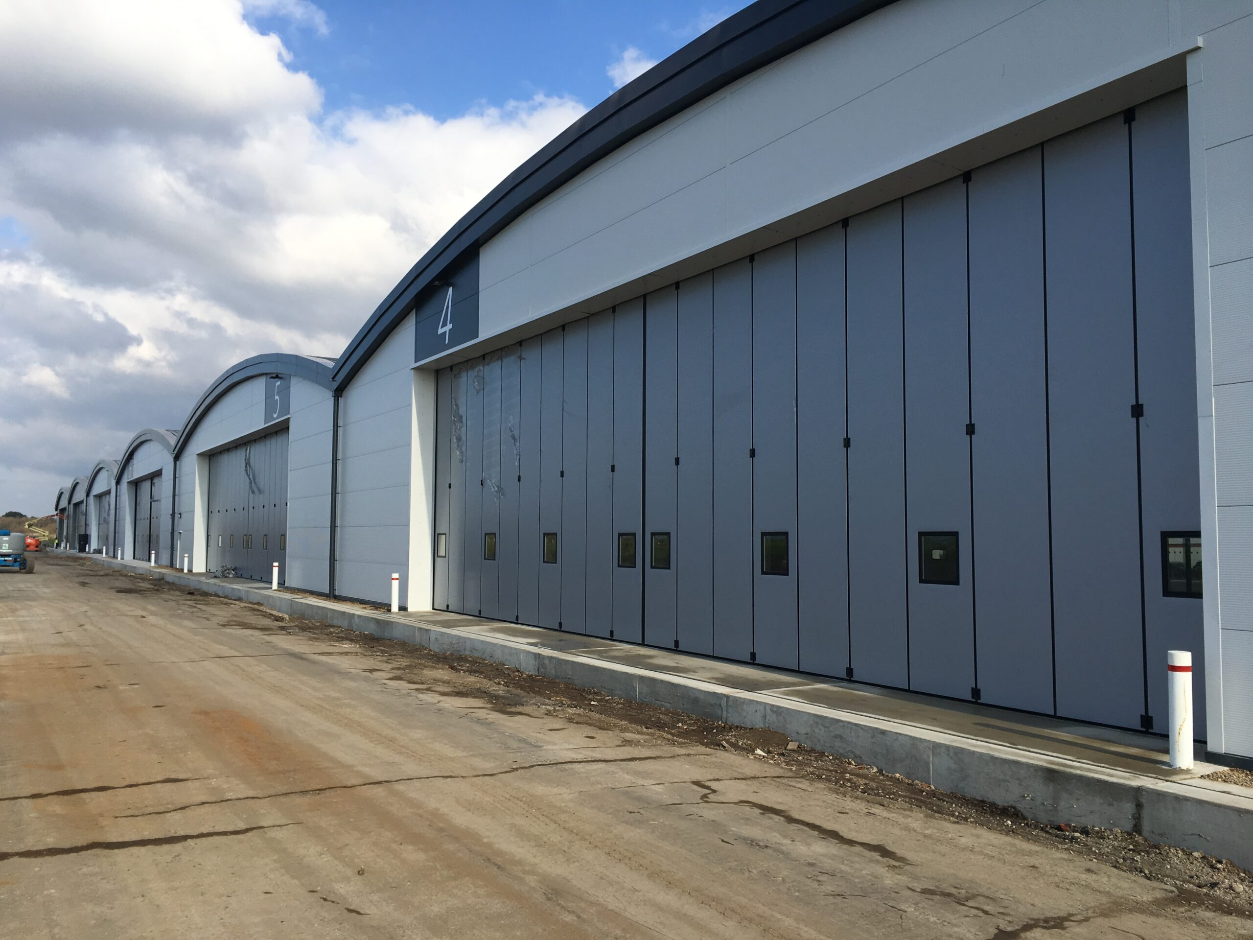Former Daedalus site in Hampshire, Solent Airport – Eleven Osprey sliding folding doors – Six Business Hangars 2018