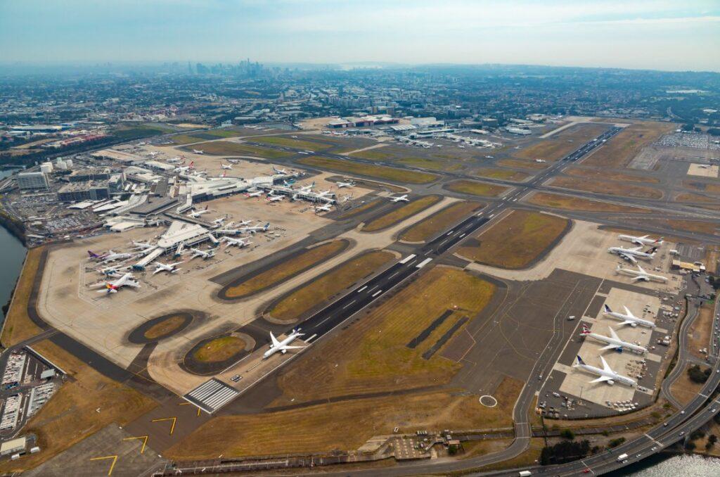 Sydney Airport east runway