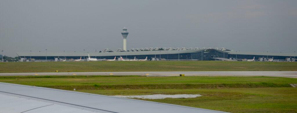 runway 1 KLIA