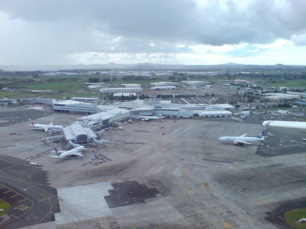 auckland airport infrastructure