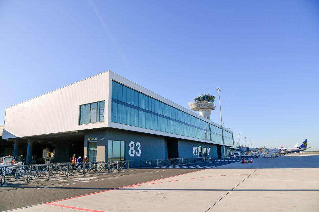 Bordeaux Airport international pier